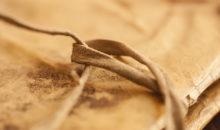 Fotografia marco libro antico