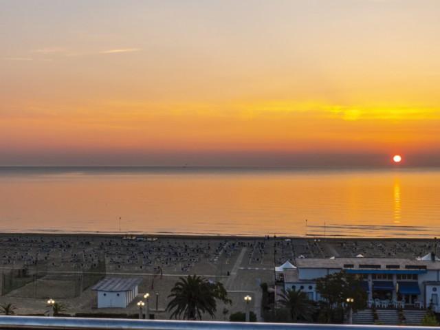 Immagine a 360°, l'alba ripresa dalla terrazza dell' Hotel Cristallo Giulianova